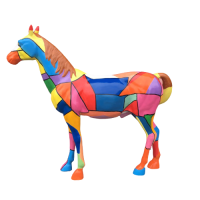 Mô hình ngựa cách điệu bằng composite đẹp