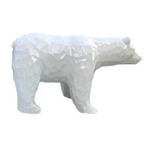 Tượng con gấu màu trắng